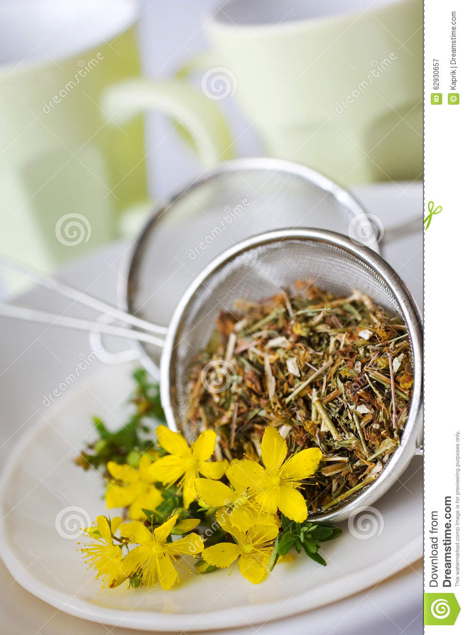 common-st-john-s-wort-tea-hypericum-perforatum-natural-antidepressants-healing-yellow-flowers-leaves-62930657.jpg